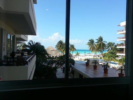 Ixchel Beach Hotel:                   vista desde la habitacion