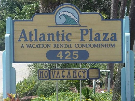 Atlantic Plaza: Front sign