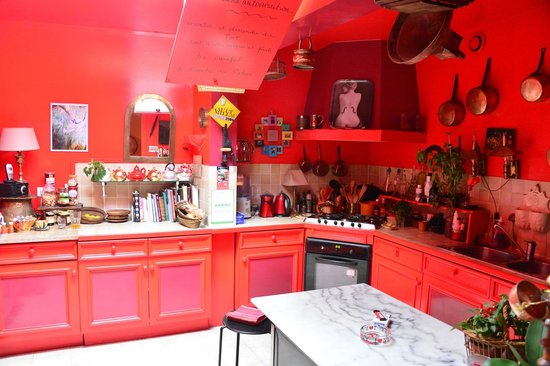 L'Ombre du Palais :                   sabine's classic kitchen...you can dine, or take a cooking lesson
