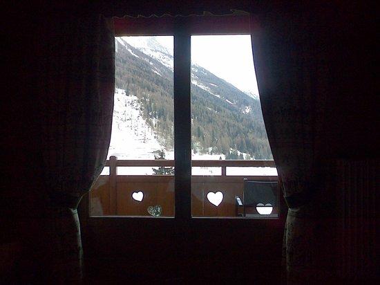 La Madonnina del Gran Paradiso:                   vista dal letto