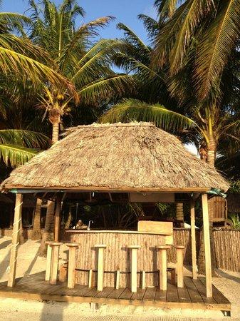 Xanadu Island Resort:                   BBQ area at sunrise-good lighting