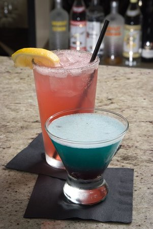 Cosmo's Italian Kitchen:                                     Great drinks from the Bar
