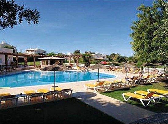 Colina da Lapa:                   pool