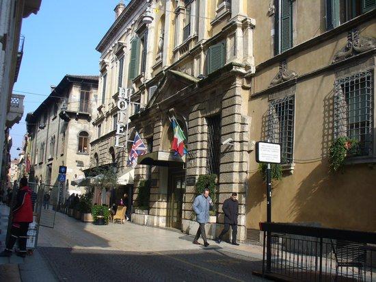 Accademia Hotel:                   Hotel façade