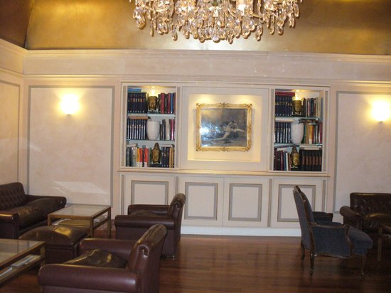 Accademia Hotel:                   Comfortable lounge
