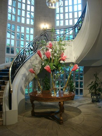 Four Seasons Hotel Mexico City:                   Lobby Floral arrangements