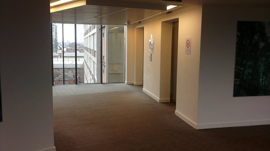 Doubletree by Hilton London - Westminster:                   10th floor lift lobby area