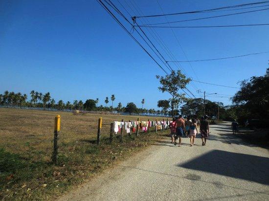 Hotel Samara Inn:                   About 1/2 mile (1 Kilometer) walk to beach