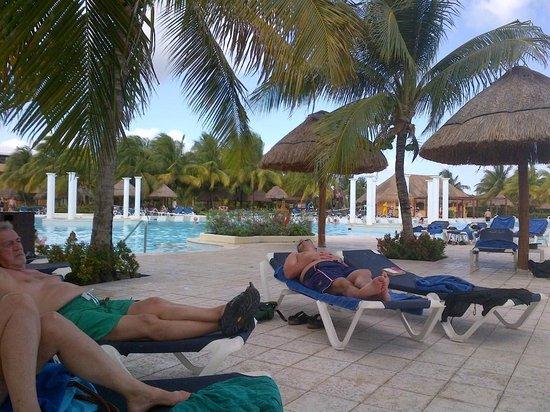 TRS Yucatan by Palladium:                   Main White Sands pool
