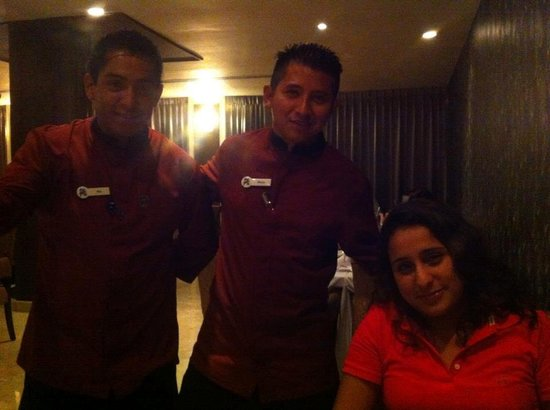 ‪‪Hard Rock Hotel Cancun‬:                   Pollo y Pio at Ciao restaurant: Best Servers!