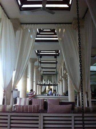 Phoenicia Hotel:                   Pool Lounge