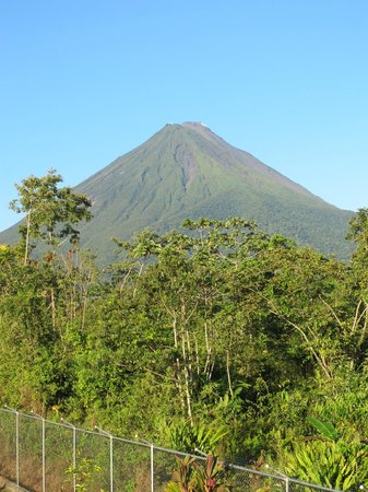 Hotel Sierra Arenal:                   View of el Arenal volcano from our room