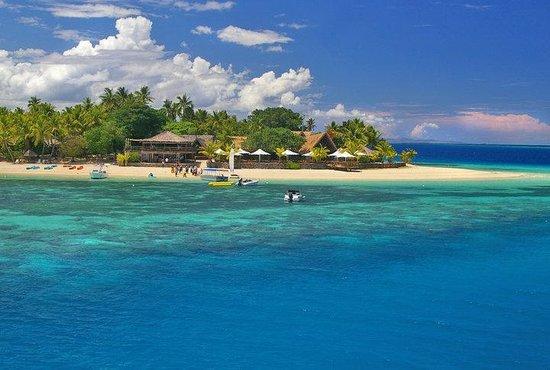 Castaway Island Fiji:                   water