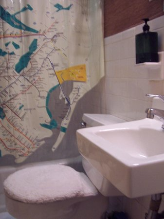 Brownstone Bed and No Breakfast: # 3 bathroom