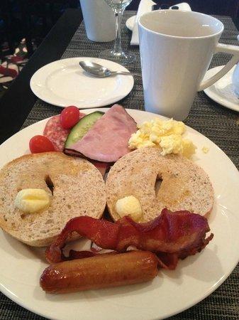 Hilton Vancouver Metrotown:                   buffet breakfast