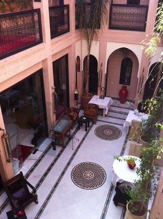 Riad Dar Anika:                   atrium