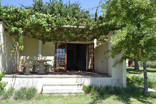 Cultivar Guest Lodge:                   Lodge von außen