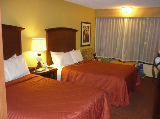 Clarion Inn Lake Buena Vista:                   Camas dobles (no matrimoniales)