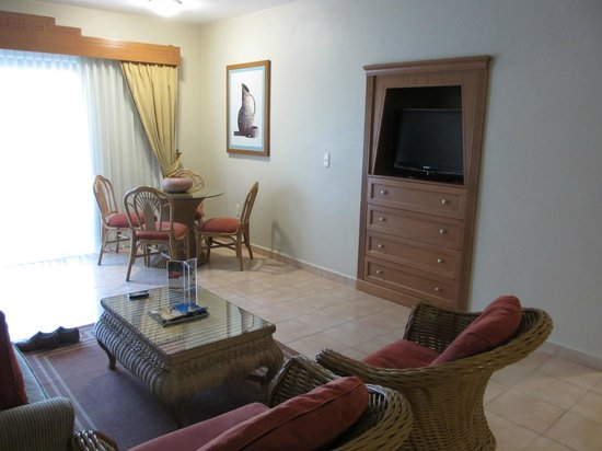 Paradise Village Beach Resort & Spa:                   living room