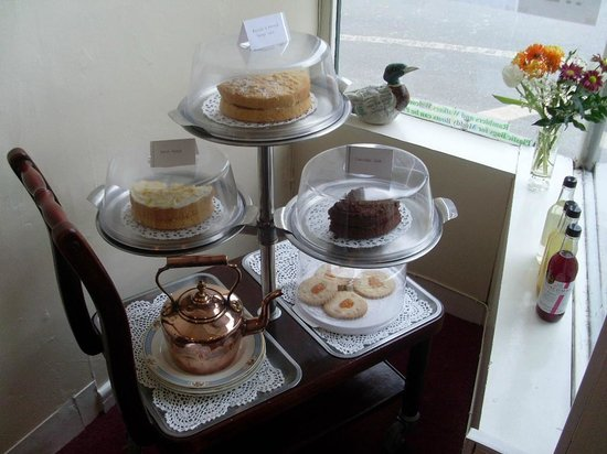 Babbini's Tearoom/Restaurant: Sweet Trolley