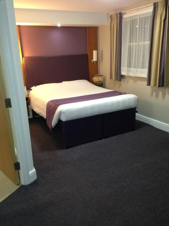 Premier Inn London Kensington (Olympia) Hotel:                   Comfy bed
