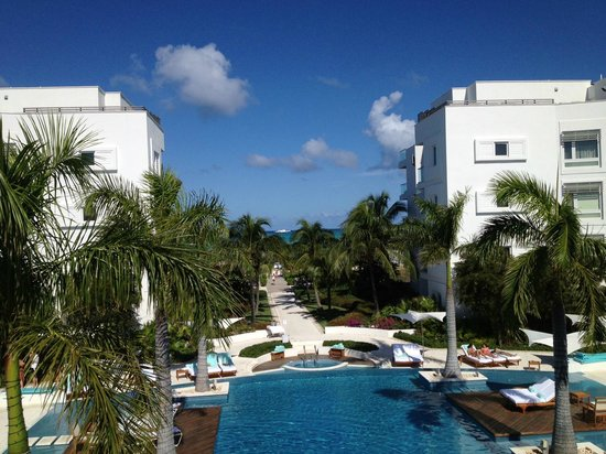Gansevoort Turks + Caicos:                   Vista do quarto. Linda!