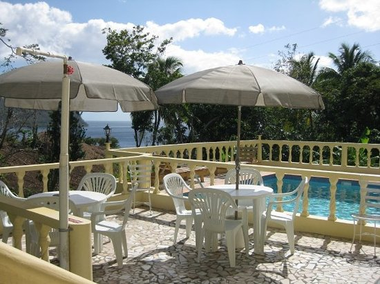 Heaven's Best Guest House & Restaurant:                                     The Pool Of Heaven's Best Guest House