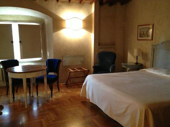 Hotel Loggiato dei Serviti:                   Bedroom
