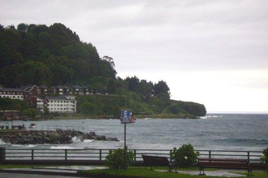 Hotel Cabana del Lago:                   Vista del hotel desde el lago Llanquihue