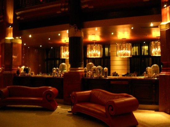 Hotel Banke:                   Hotel Josefin restaurant