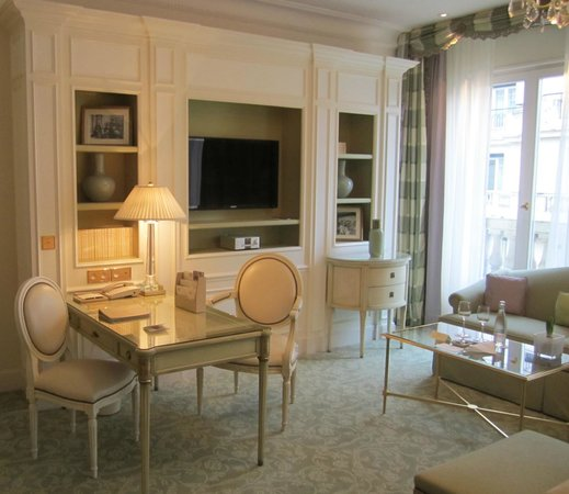 Four Seasons Hotel George V Paris:                   Living area of my room. Light, bright and comfy.