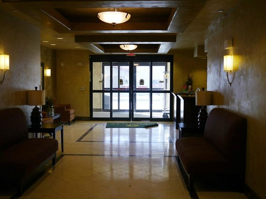 La Quinta Inn & Suites Ely:                   Minor detail but I appreciate that the doors open automatically.  Make luggage