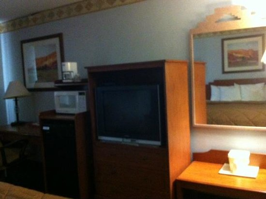 Econo Lodge:                   Television