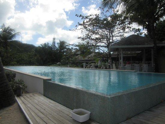 Coconut Beach Club:                   Pool