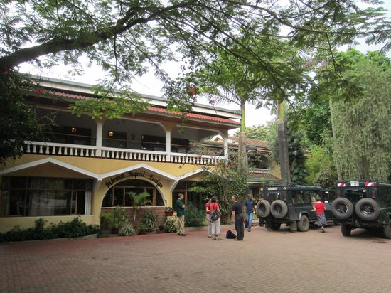 Ilboru Safari Lodge:                   Front view