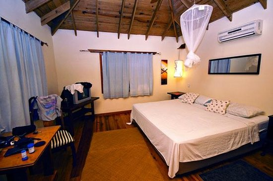 Lands End - Ocean Front Lodge:                                     GECKO Room, lovely king bed!