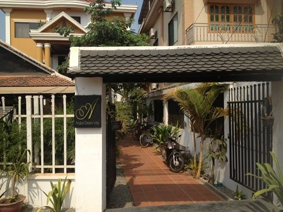 Angkor Dream Villa:                   front of the property