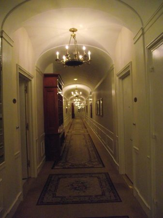 The Towers of the Waldorf Astoria:                   Corridor to our suite
