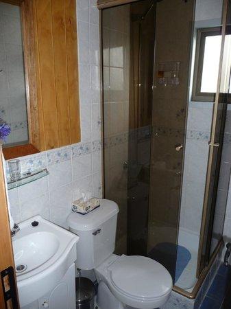 Keoken Patagonia Bed & Breakfast:                   Baño habitación