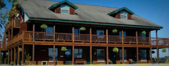 Eagles Nest Lodge:                   Cozy lodge