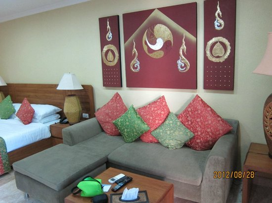 Baan Souy Resort:                   房間還滿大間的