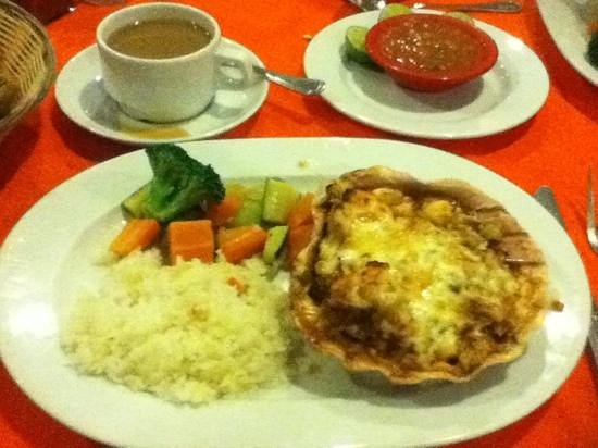 Los Arcos Restaurant:                                     Stuffed crab entree