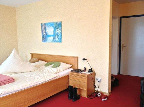 Haus Margareta: simple and clean twin room