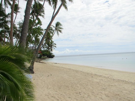 Shangri-La's Fijian Resort & Spa:                   pool side beach
