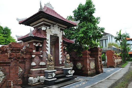 Sukun Bali Cottages: new balinese architecture gate