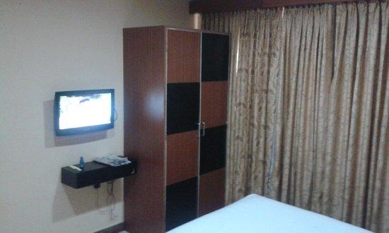 Emarald Hotel & ZO Rooms:                   Standard Room