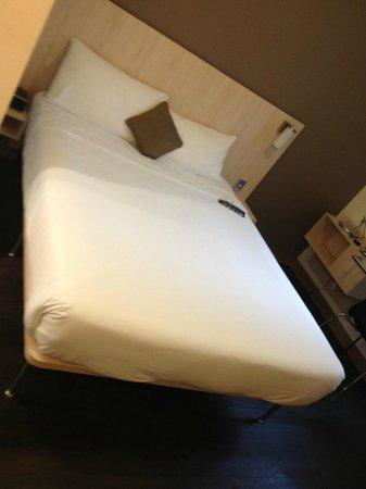 โรงแรมไอบิสซิดนีย์คิงสตรีทวอฟ:                   .