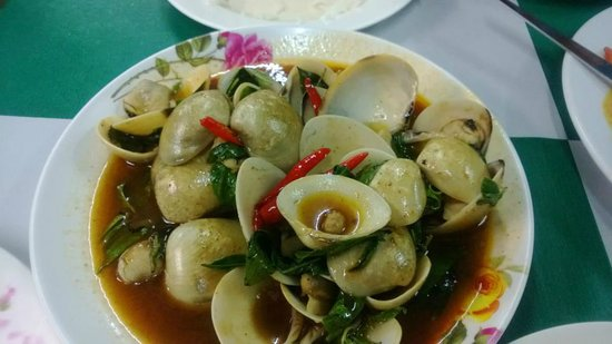 Mengrai Seafood:                   Clams in Chili Garlic and basil sauce !