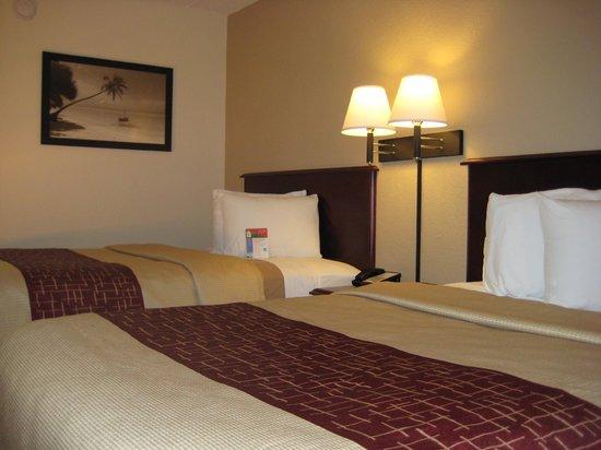 Rodeway Inn: Comfortable beds.....