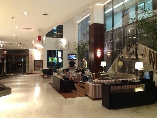 Four Points by Sheraton Curitiba:                                     Lobby